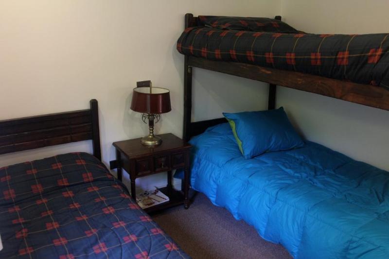 Bedroom 3 beds