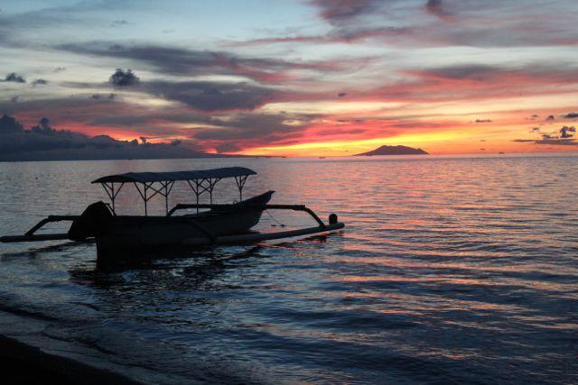 Sunset scene at Lovina, just 25 mins from Bali Villa Sartori (North Bali), a photographer's delight