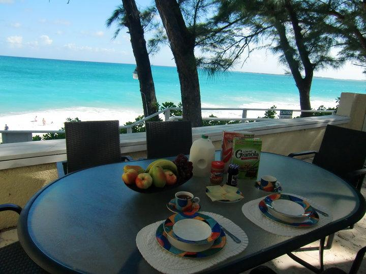 Sunrise Beach Club unit #1 - directly on the beach, holiday rental in Paradise Island