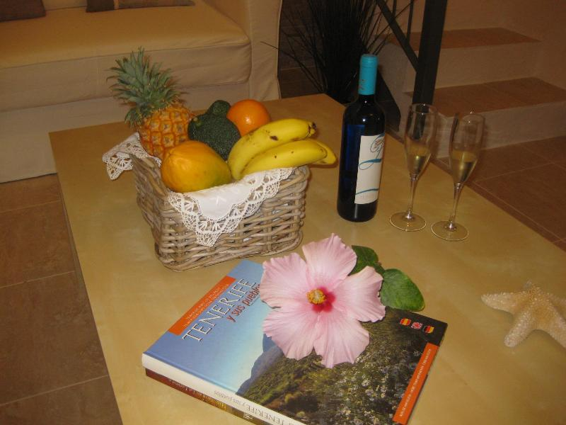 Our welcome gift for you. A basket of season fruit and a bottle of Canarian wine or Cava.