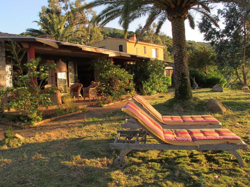 Découvre sur la villa avec terrasse