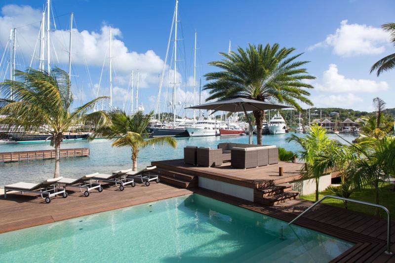 Salon Sud Point Falmouth piscine, idéale pour les boissons coucher de soleil