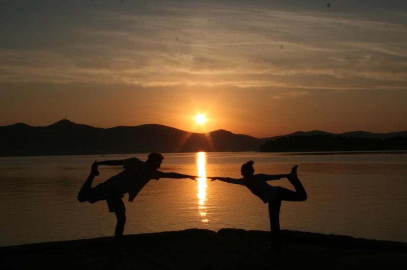 Yoga aurora