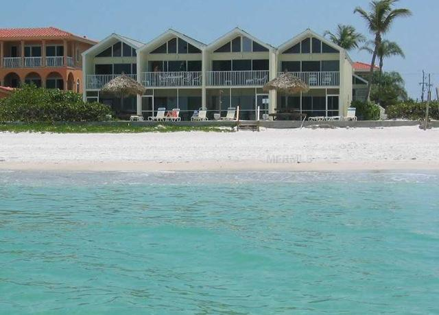 Coconuts Beach Front 108 Ground floor, holiday rental in Holmes Beach