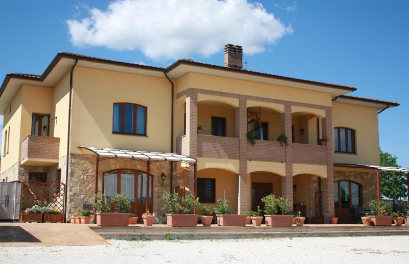 Villa holiday rental in Italy - Villa La Serena, location de vacances à Mercatello