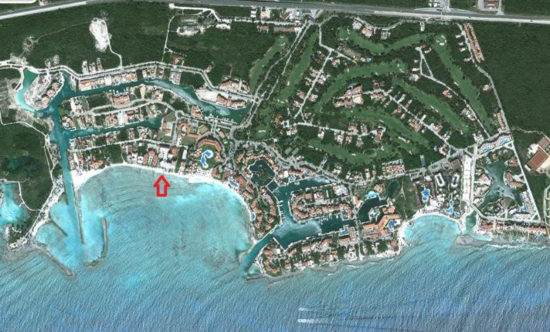Satellite view of Puerto Aventuras with arrow showing location of the condo