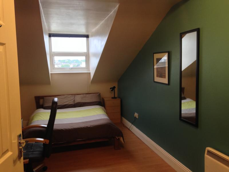 Galway  Double Room, holiday rental in Galway