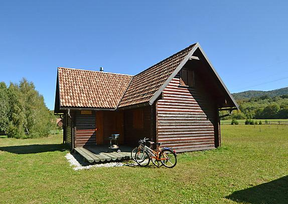 Secluded chalet near Fuzine, holiday rental in Brestova