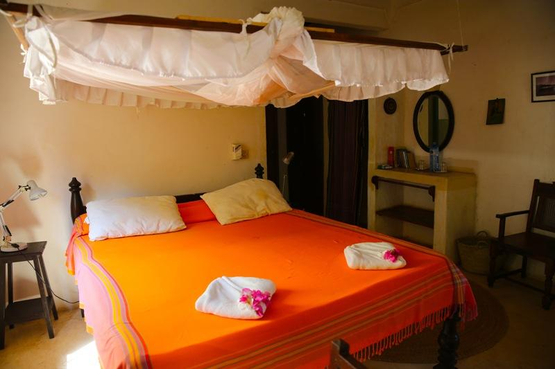 Fatuma's Tower Balcony room, holiday rental in Manda Island