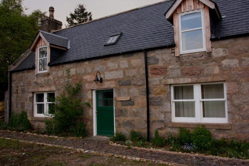 Tomidhu cottage