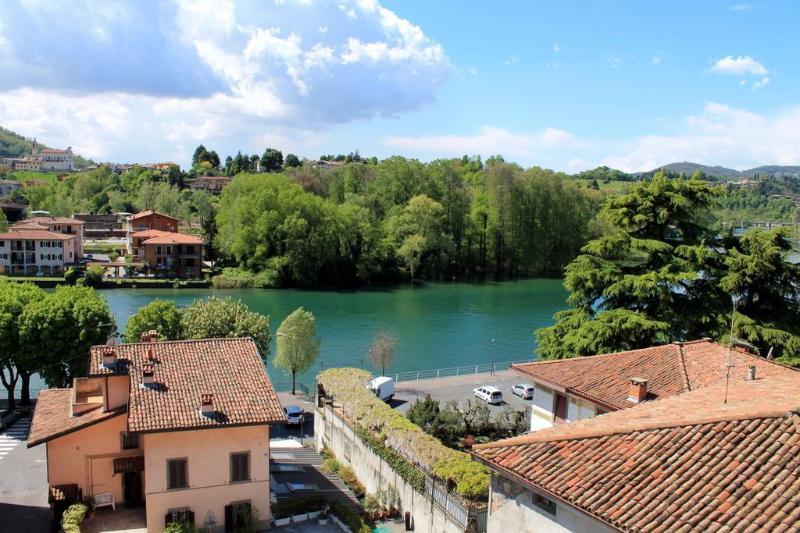 1 recensioni e 13 foto per apartment lake iseo with lake for Casa lago apartments