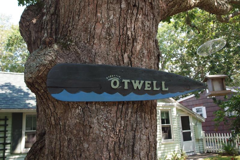 Otwell Cottage Cape Cod MA 'The Otwhale'