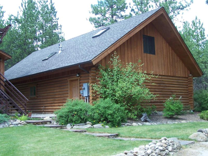 Private Guest Quarters in the Bitterroot Valley, vacation rental in Hamilton