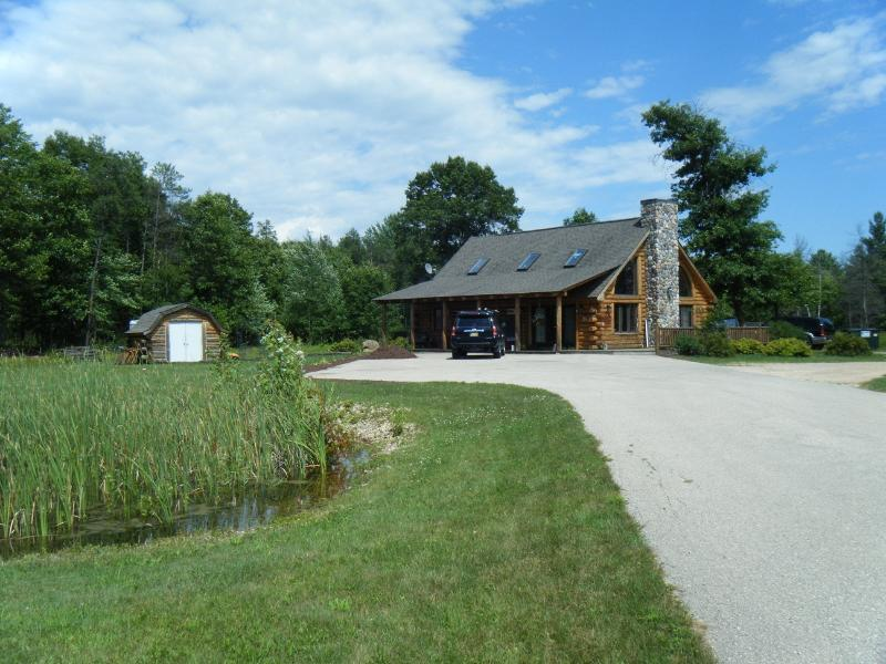 Easy access to local activities, located right off Hwy 82