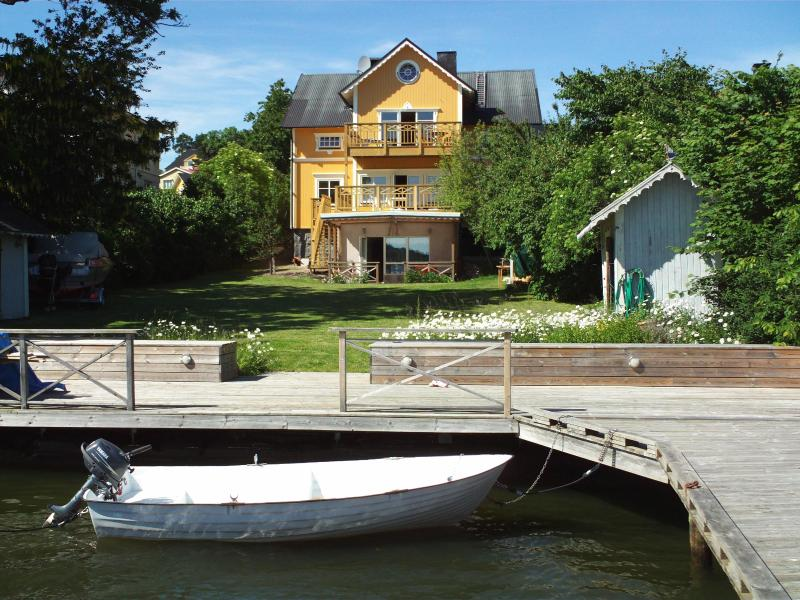 The villa from seaside, private pier, rowing boat with motor 6hp and life jackets in different size
