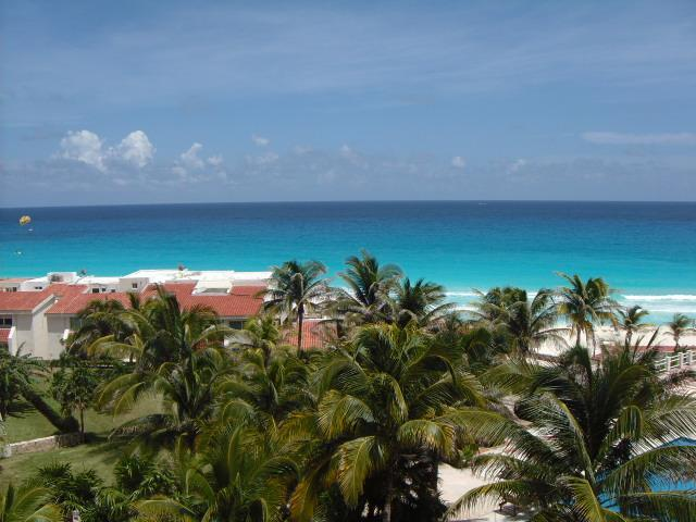 Upgraded Ocean View Studio In  Hotel Zone  Awarded Super Host Status – semesterbostad i Cancún