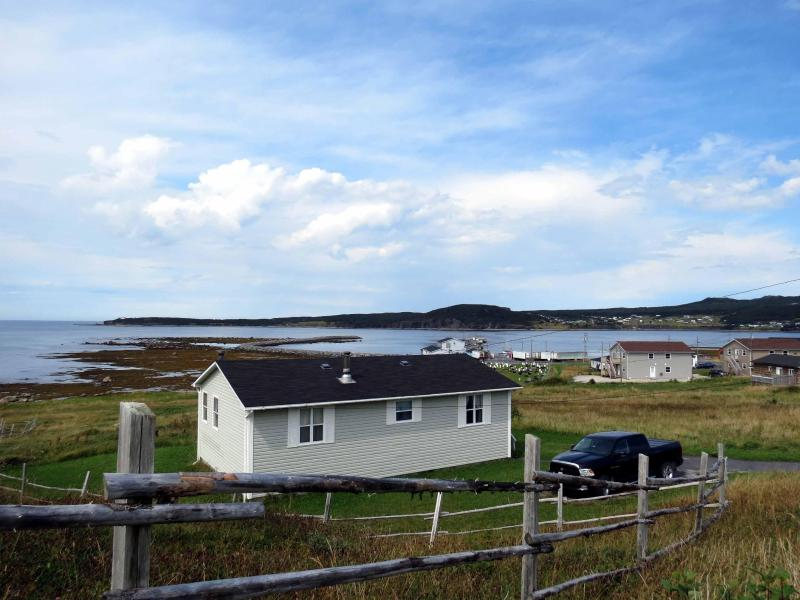 Oceanfront Cottage in Gros Morne National Park (Bayview Heights), alquiler de vacaciones en Gros Morne National Park