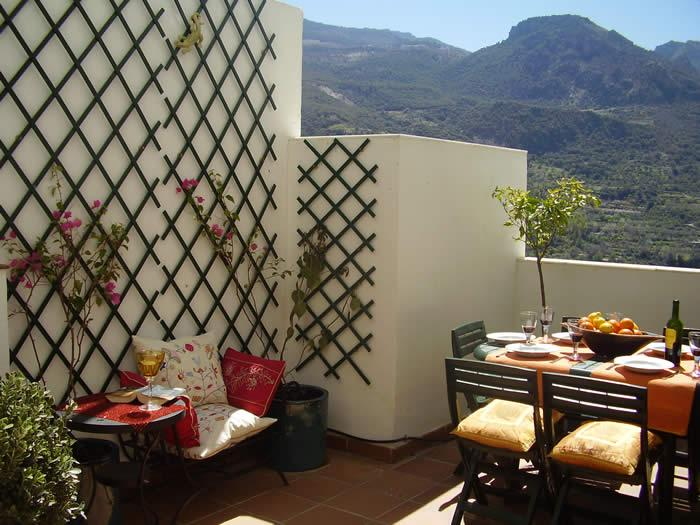 Terrace with stunning views of Sierra Nevada Mountains