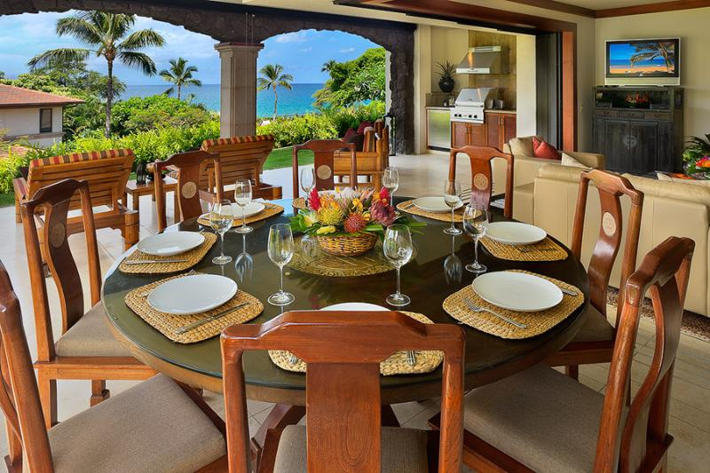 D102 Golden Mandarin Pool Villa - Ocean View Dining For Six Guests On The Outdoor Patio