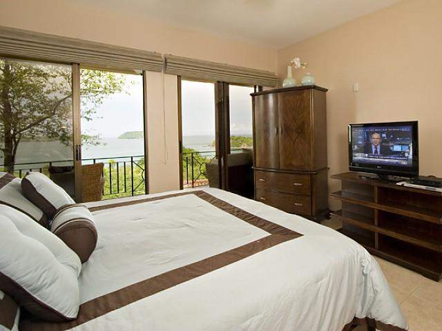 Master suite w/ocean views