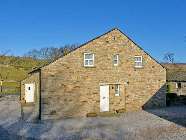 BARNBROOK, family friendly, character holiday cottage, with a garden in, vacation rental in West Witton
