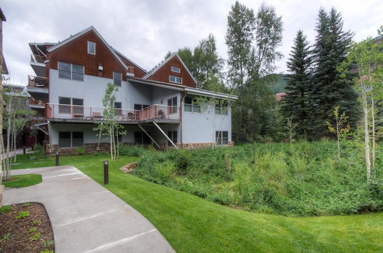 Extérieur de la maison de la rivière Cascades