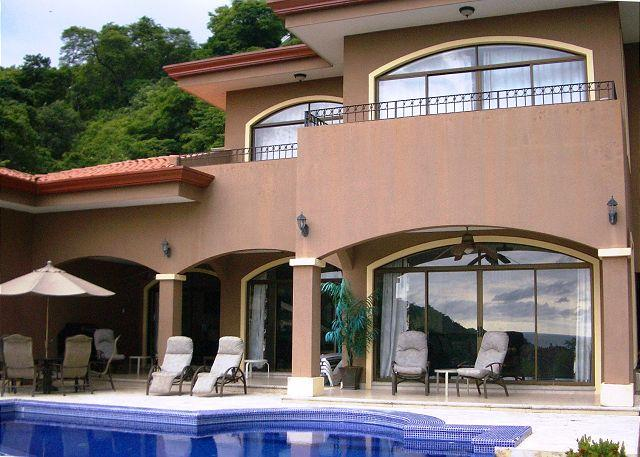 Casa Aguas - Ocean View & Infinity Pool - Perfect for 4 Couples!, holiday rental in Liberia