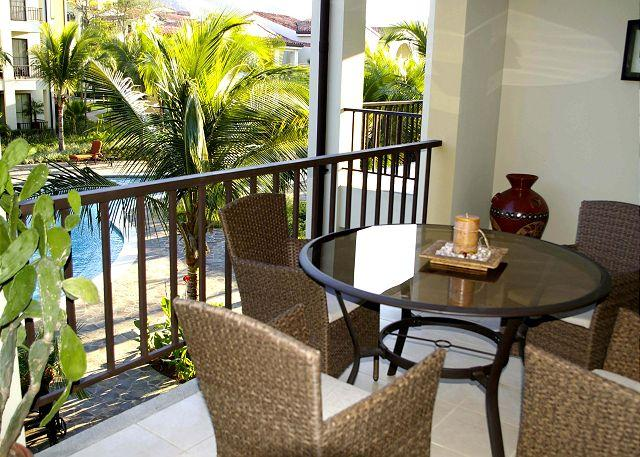 Pacifico L210 - Charming Pacifico One Bedroom Condo Overlooking Pool, casa vacanza a Coco