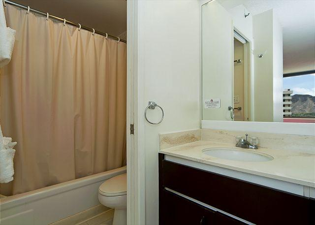 Bathroom With Show and Tub