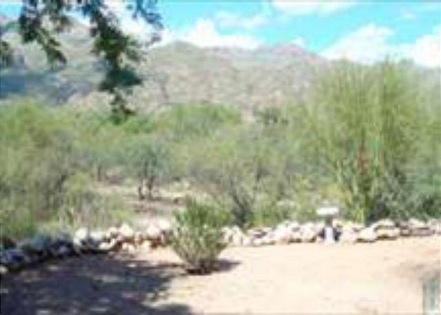 Frist Floor Private Casita wtih Mountain Views, holiday rental in Tucson