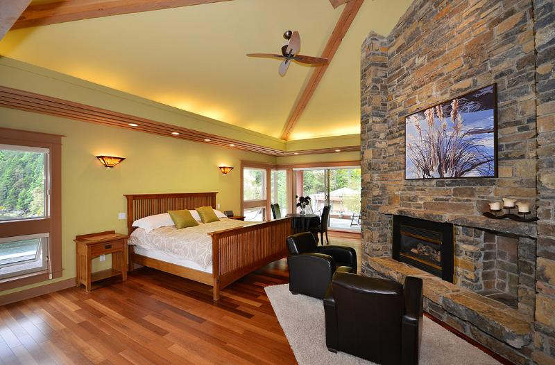 Master bedroom is spectacular.