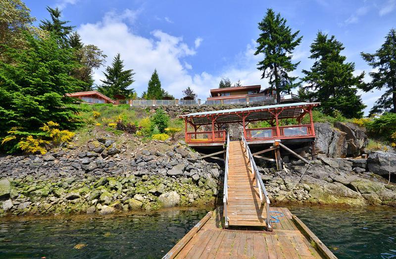 Private deep water dock