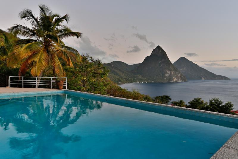 3 Bedroom/3 Bathroom Villa House in St Lucia, location de vacances à Sainte-Lucie