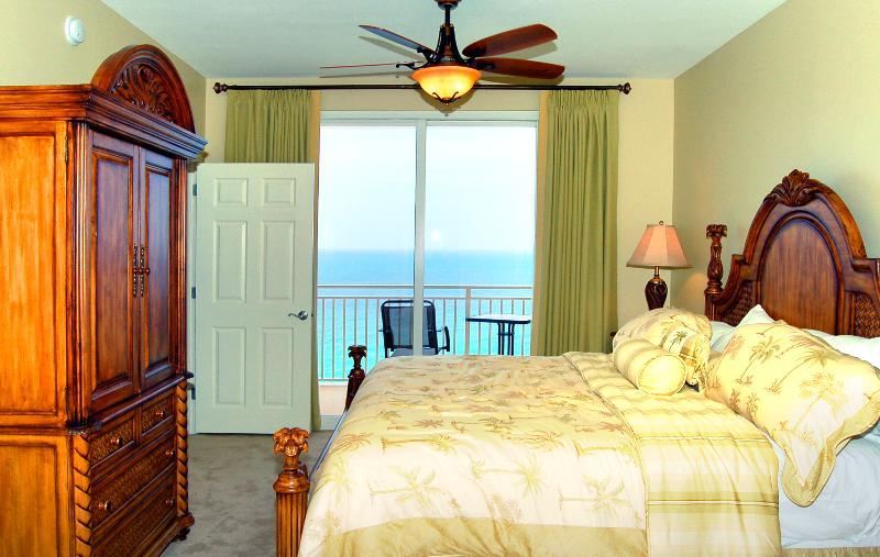 Panama City Beach Splash oceanfront master bedroom