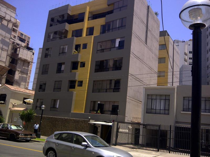 Miraflores Short Term Furnished by the Ocean, vacation rental in Lima