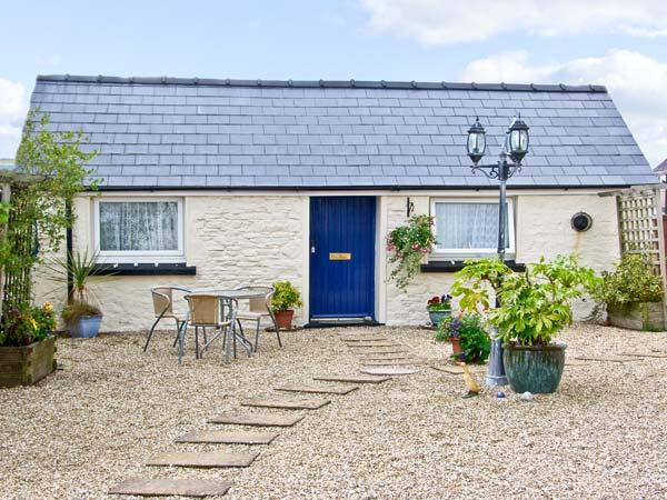 STAR COTTAGE, romantic, with a garden in Saundersfoot, Ref 7478, holiday rental in Begelly