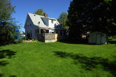Casa e cortile