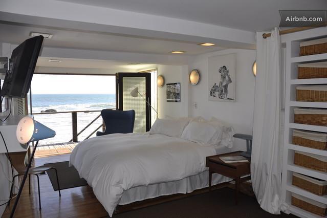 Beautiful Ocean Front Beach House in Malibu Has Hot Tub ...
