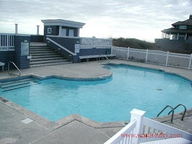 Outdoor Community Swimming Pool