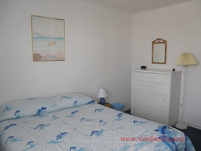 Middle Queen Bedroom II