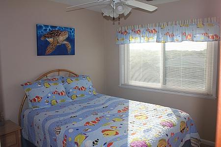 2nd Floor Street-Side Bedroom w/ Queen Bed