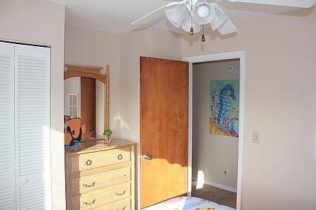 2nd Floor Street-Side Queen Bedroom II