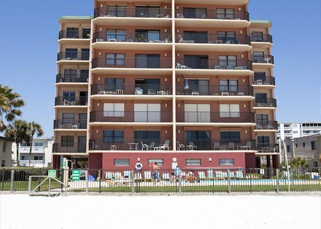 Beachfront vacation rental at Emerald Isle on North Redington Be