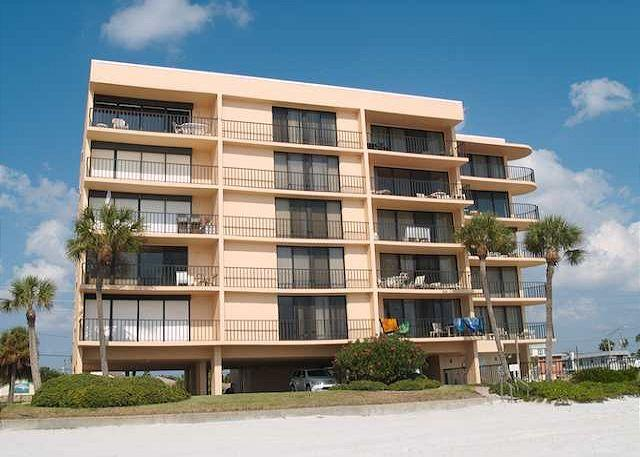 Beachfront vacation rental at the Trillium on Madeira Beach Flor