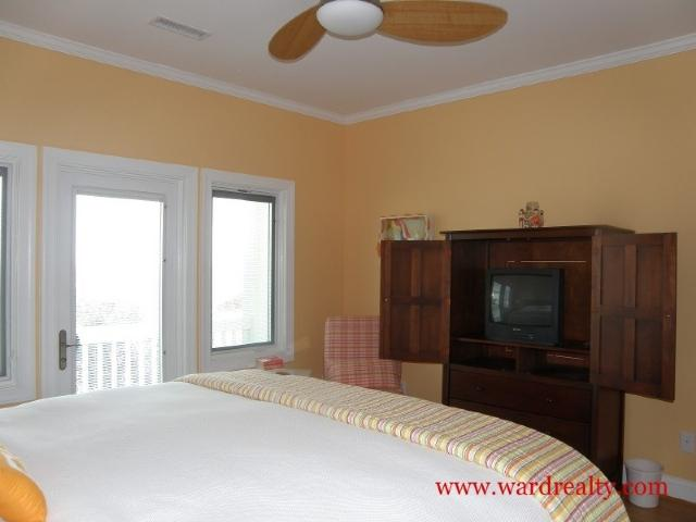 Oceanfront King Bedroom Too