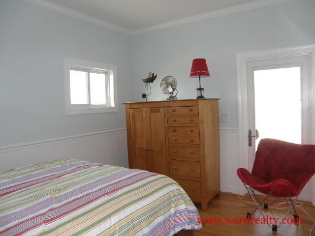 Streetside Queen Bedroom Too