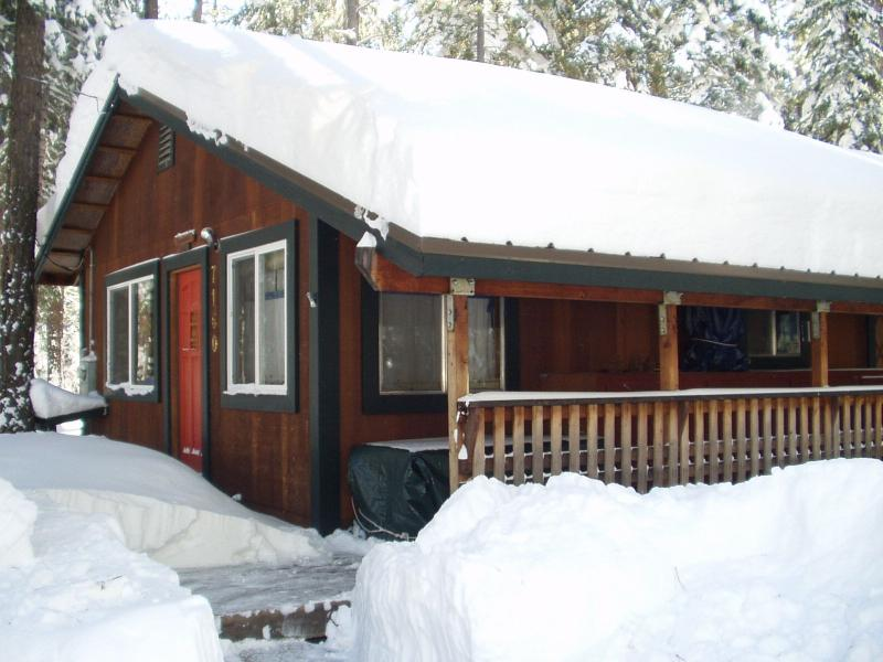 Two Morrows Tahoe Cabin on Lake Tahoe's West Shore - California, holiday rental in Tahoma