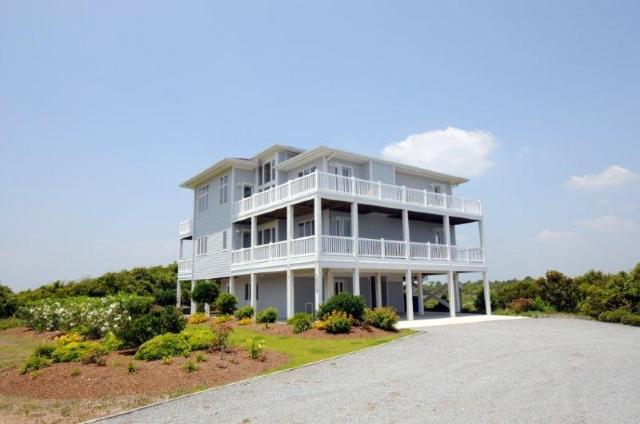 3659 Island Drive