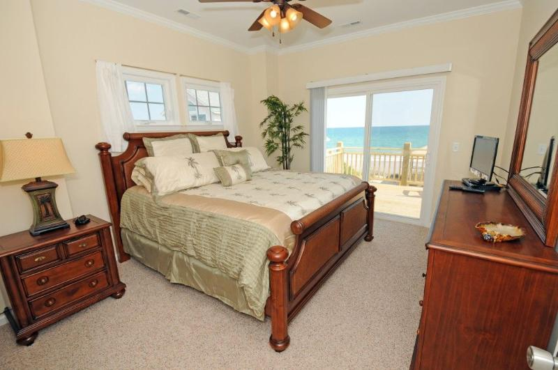King Master Bedroom (top floor)