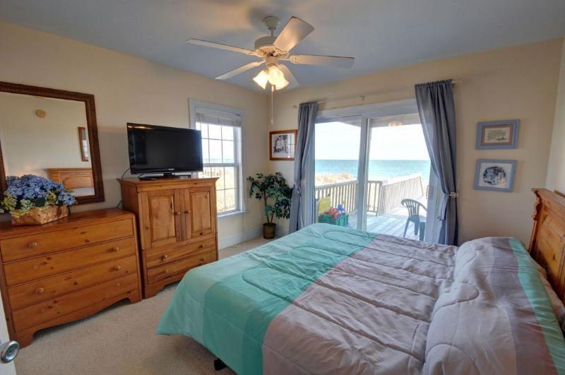 Re Bedroom(1st Floor)